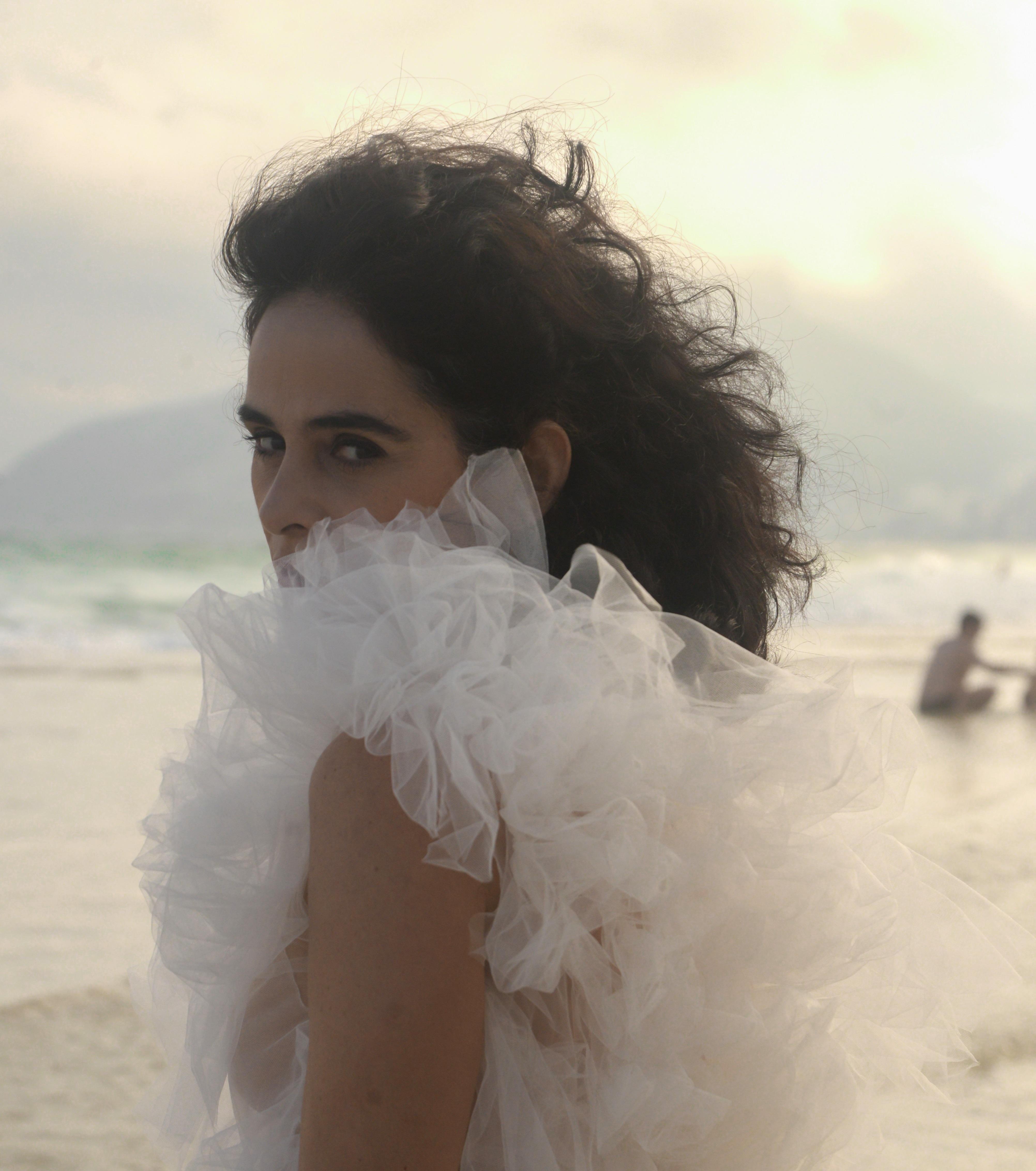 Faixa-a-faixa do novo álbum de Mariana de Moraes